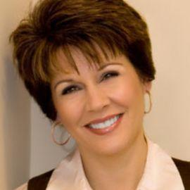 Jennifer Rothschild Headshot