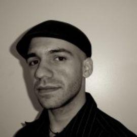 Daniel José Older Headshot